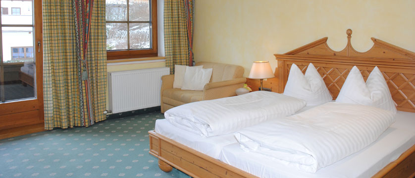 Hotel Post, Alpebach, Austria - double bedroom.jpg